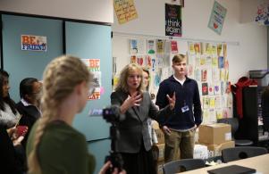 Indiana Superintendent Glenda Ritz visits Penn
