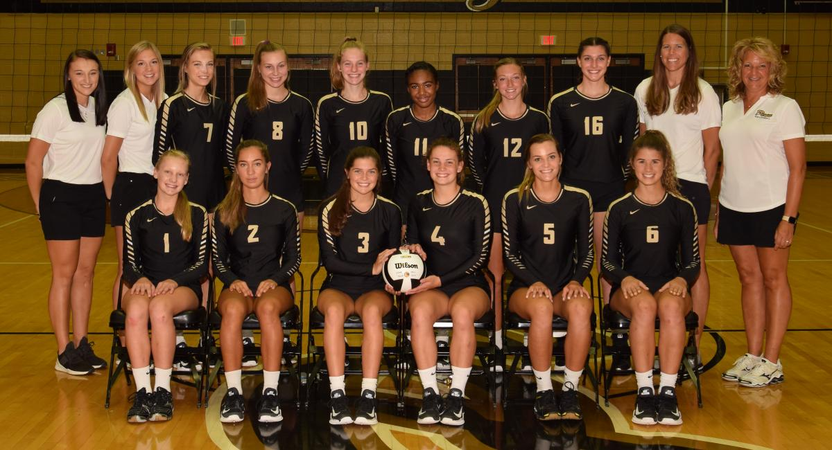 The 2018 Penn Volleyball Varsity.